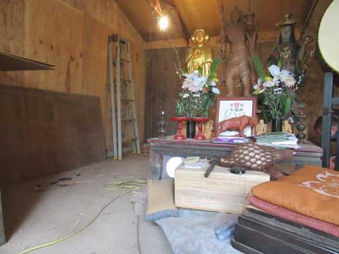 毘沙門堂の改葬中-写真